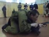 Рассказывает и делится опытом боец 45-го ОРП ВДВ, в качестве слушателей сотрудники ЦСН ФСБ  Часть 2 Огневой контакт