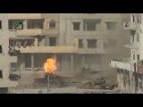 Террористы сжигают танк, чудом выживший обгоревший танкист, пытается спастись от пуль убийц